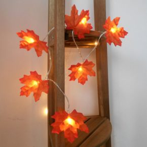 Maple leaves Thanksgiving decoration #Thanksgiving Day #decoration #homedecorimage