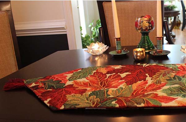 Fashion Thanksgiving Table Runner #Thanksgiving Day #table #decor #homedecorimage