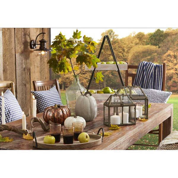 Thanksgiving Table Decor in the Garden #Thanksgiving Day #table #decor #homedecorimage