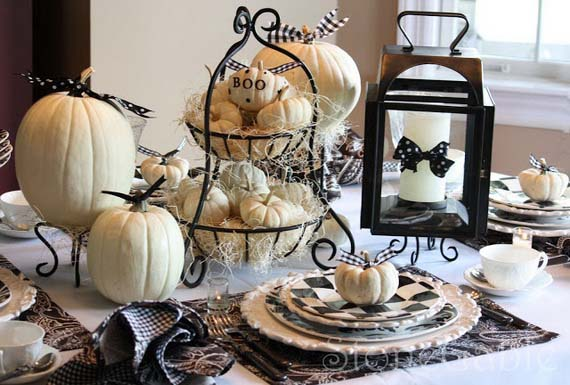 Thanksgiving Table Decor With White Pumpkins #Thanksgiving Day #table #decor #homedecorimage
