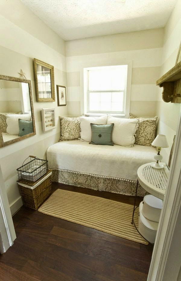 An Idea for Contrasting Tones Bed in a Small Room #small bedroom #bedroom #interior #homedecorimage
