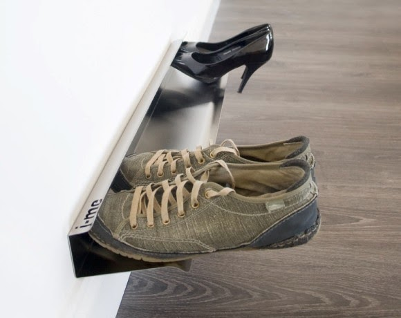 minimalistic rack for shoes