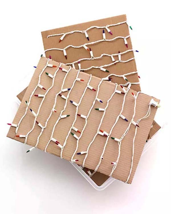 A Piece of Cardboard for the Christmas Lights #Christmas #Christmas decoration #storage #homedecorimage