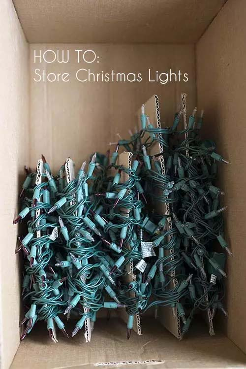Storing Christmas Lights in a Cardboard Box #Christmas #Christmas decoration #storage #homedecorimage