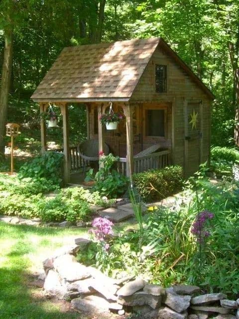 Small Guest House in the Yard #smallbackyardhouses #homedecorimage