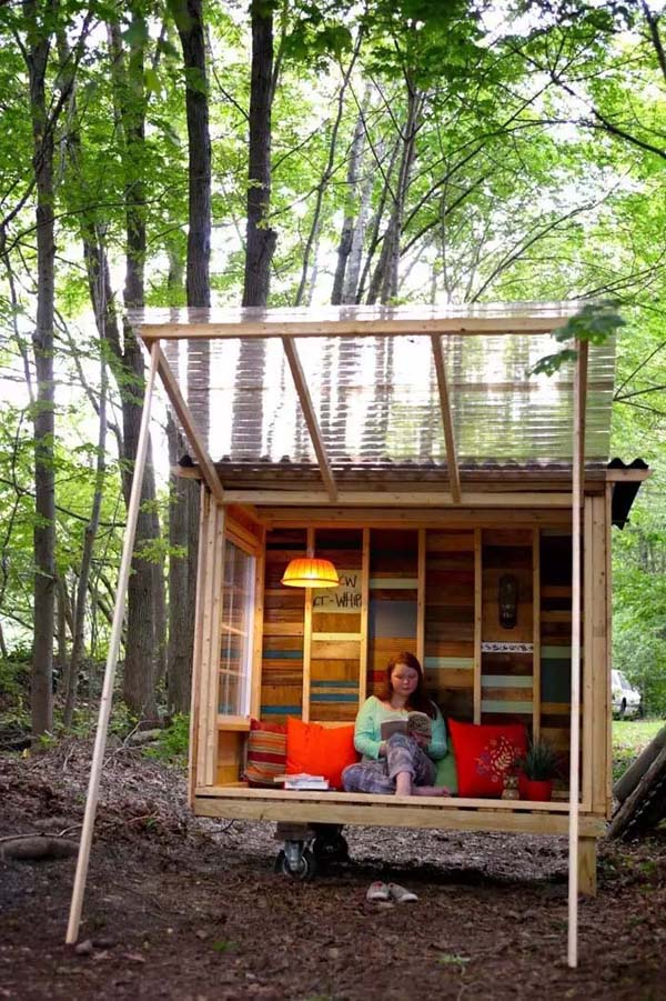 Tiny Cabin Made From Reclaimed Materials #smallbackyardhouses #homedecorimage